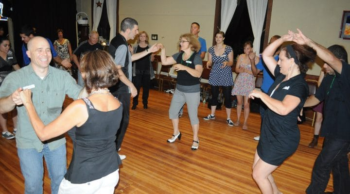 Swing dance classes with Got2Lindy